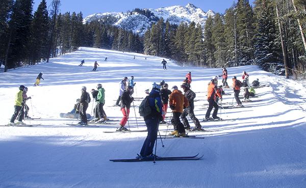 El CES, a esquiar a los Alpes franceses