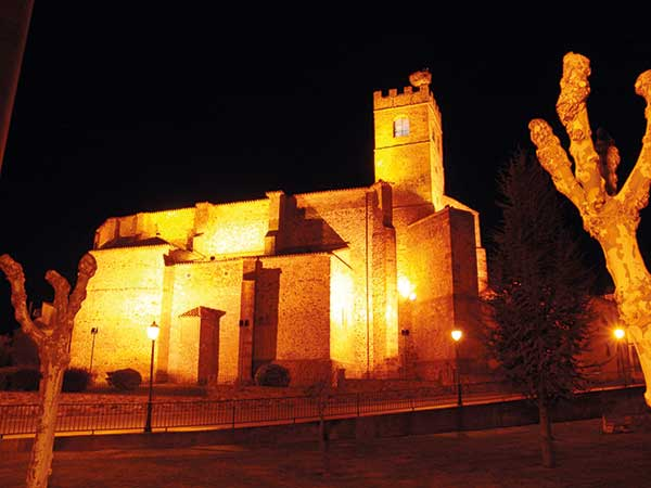 Torre almenada