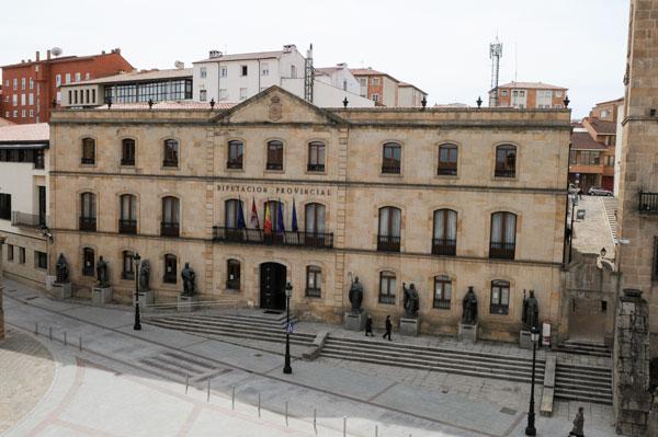 La Diputación recibe 188 peticiones para las ayudas de gastos básicos de vivienda