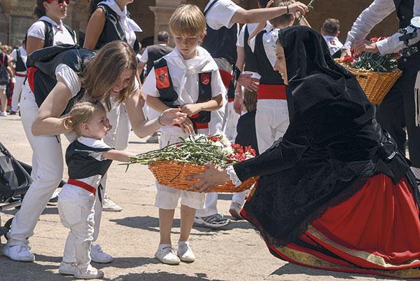Homenaje a la Virgen de la Blanca