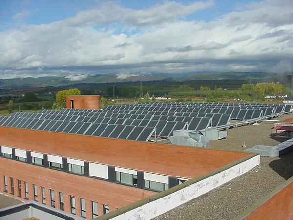 La Junta ahorra 1,5 millones en sus hospitales gracias a los paneles solares