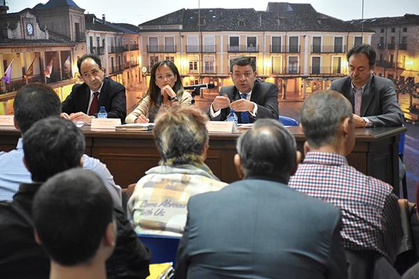 La Junta informa a los alcaldes sobre las unidades básicas de ordenación del territorio