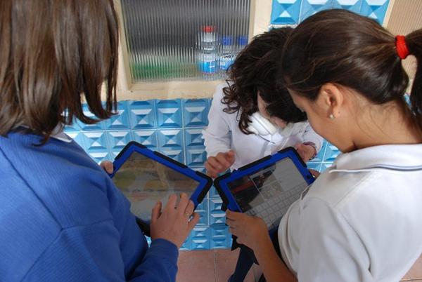 Educación destina más de 200.000 euros para la adquisición de dispositivos digitales