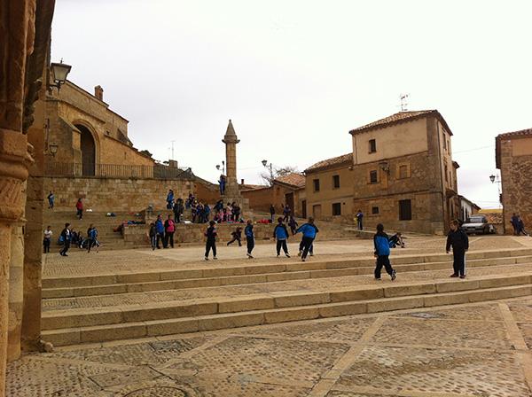Más de mil escolares visitan los museos Magna Mater y del Traje Popular