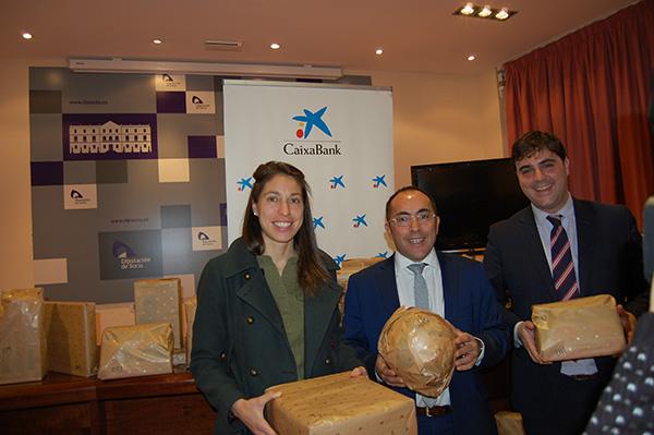 Los voluntarios de CaixaBank regalan juguetes a 267 niños de la provincia