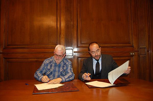 La Diputación firma con Abejar el convenio para colaborar con la Feria de la Trufa