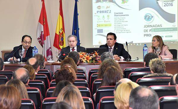 La Junta apuesta por la FP dual para mejorar la experiencia de alumnos en empresas