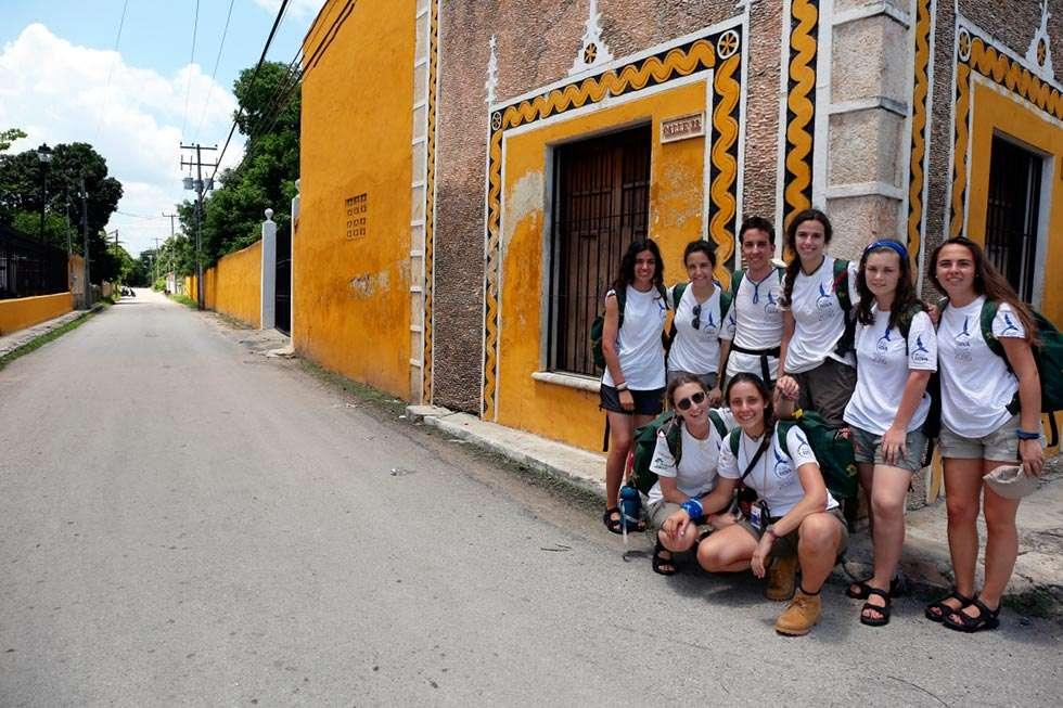 Ocho estudiantes de Castilla y León recorren Yucatán con la Ruta BBVA