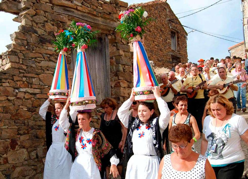 Sarnago celebra con actividades culturales a San Bartolomé