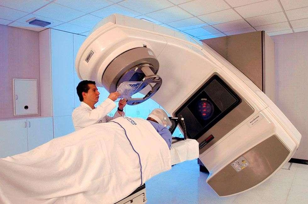 De las diez capitales españolas sin equipos de radioterapia, cuatro son de Castilla y León
