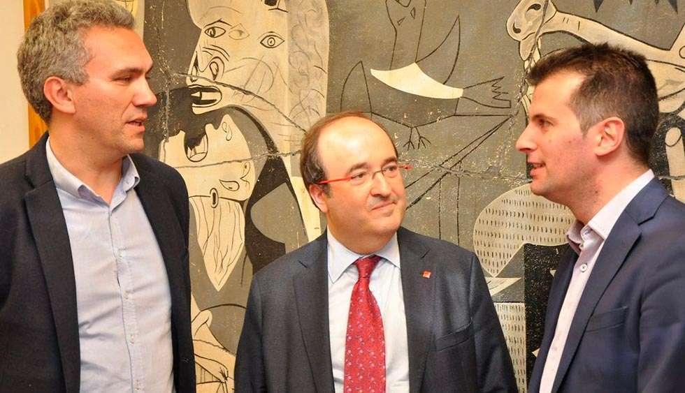 Tudanca dice que el PSOE no debe tomar decisiones en función de las encuestas