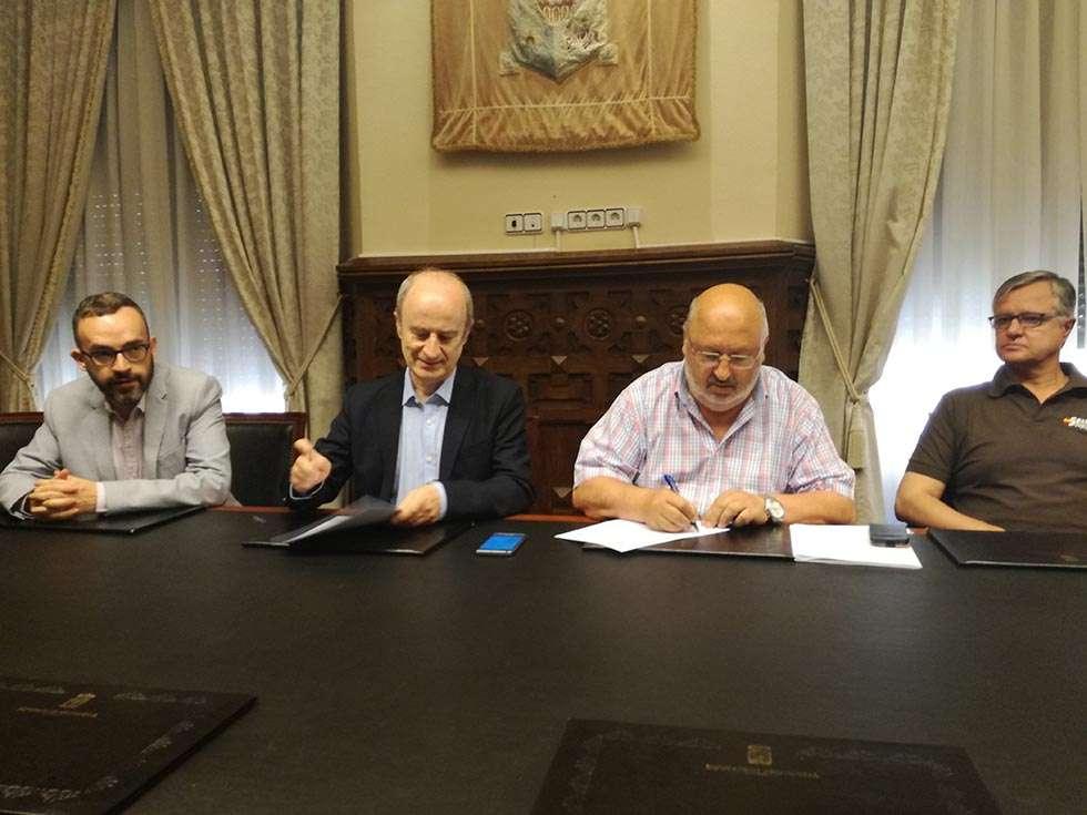 Federación de Voleibol y CAEP renuevan su convenio de colaboración