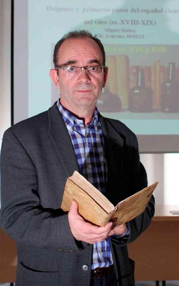 El profesor Miguel Ibáñez presenta su último libro en La Rioja