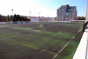 Nuevo césped artificial para el campo de fútbol de San Andrés