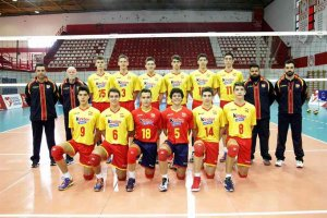 Adrián Olalla y Lucas Lorente cogen experiencia con selección de voleibol