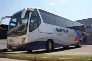 El incendio de rueda obliga a desalojar pasaje de autobús de línea en Soria