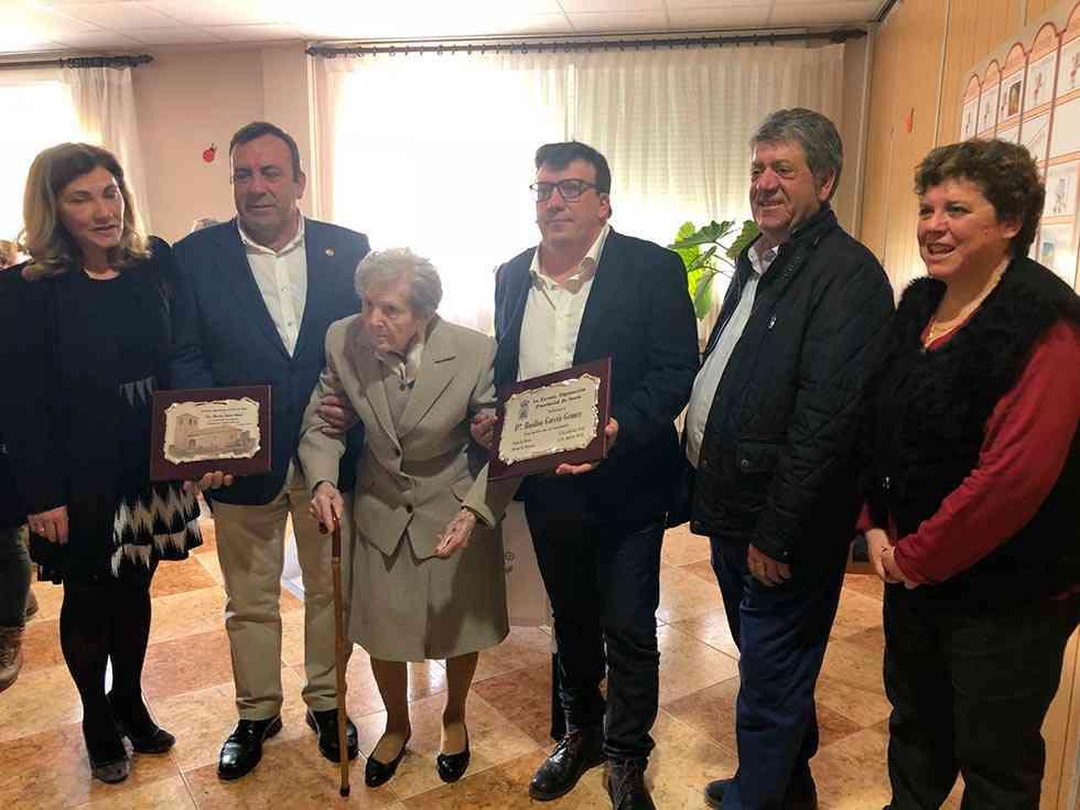 La Diputación homenajea a la centenaria Basilisa García