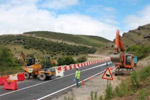 Cortes puntuales en la carretera de la presa de Enciso