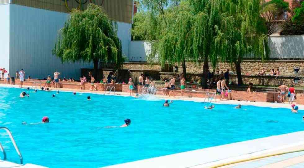 """Los usuarios de las piscinas se quejan de la """"pésima gestión"""""""