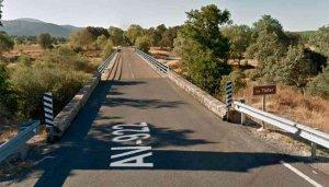 Fallece un hombre tras caer con una grúa por un puente