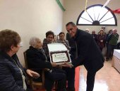 La Diputación homenajea a la centenaria Vicenta Ramos