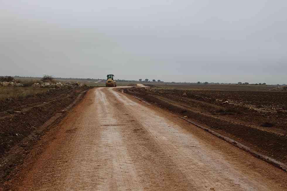 El Mapama mejora caminos rurales de varios municipios