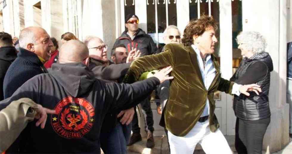 Los CDR agreden a Álvaro de Marichalar en Girona