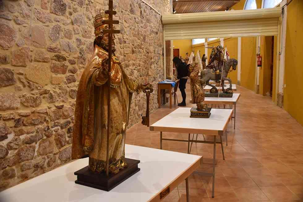 El Ayuntamiento exhibe dos días los Santos de Cuadrilla