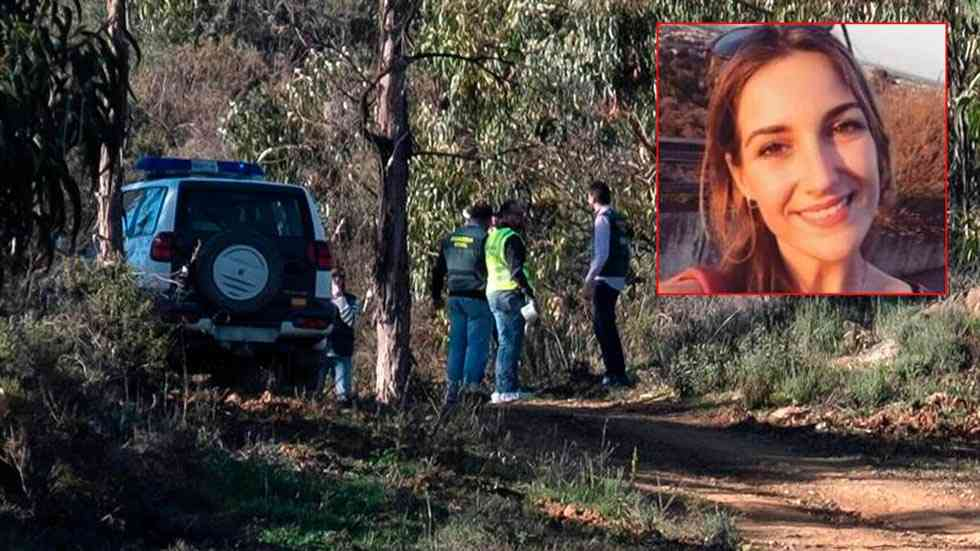 Minuto de silencio por la trágica muerte de la profesora Laura Luelmo