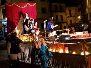 Niños y mayores disfrutan en San Leonardo de los Reyes Magos