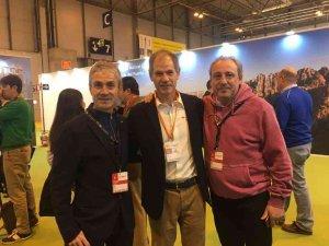 Antón y Cacho apadrinan la maratón de Sevilla en FITUR