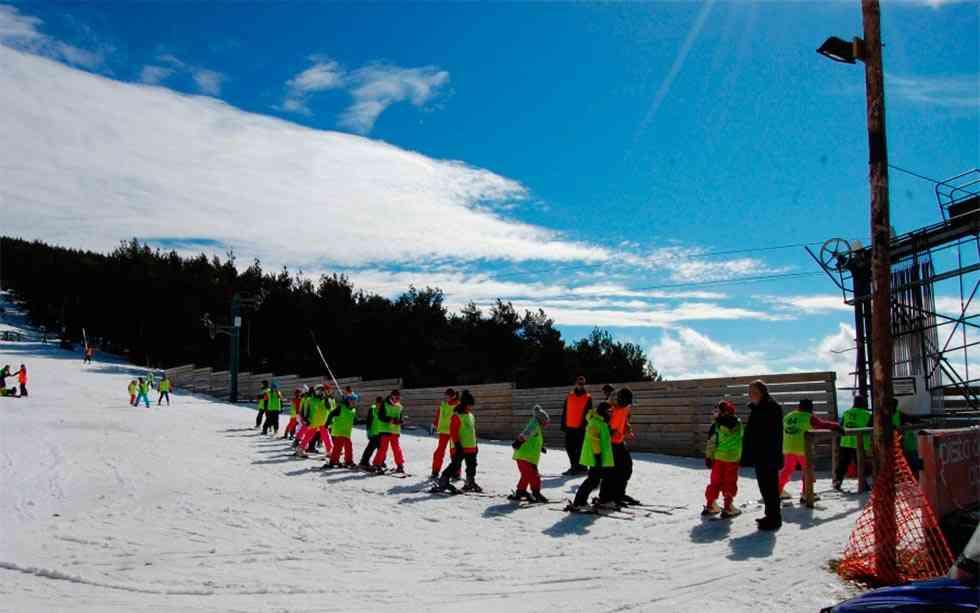 Cursos de esquí para más de 600 escolares de la provincia