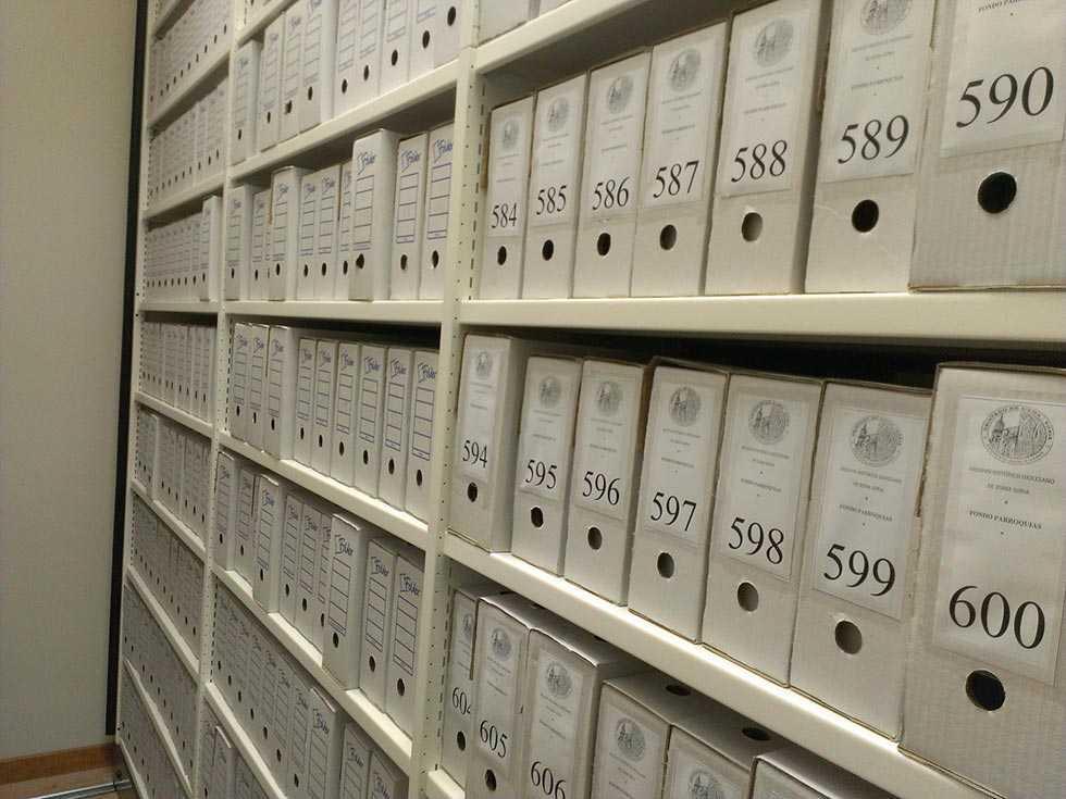 Más de 700 usuarios consultan el Archivo histórico diócesano