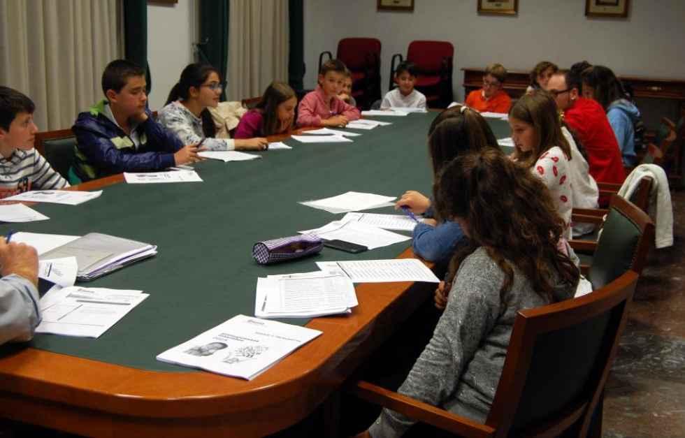 Ocho centros docentes presentan 21 proyectos para los Presupuestos Infantiles