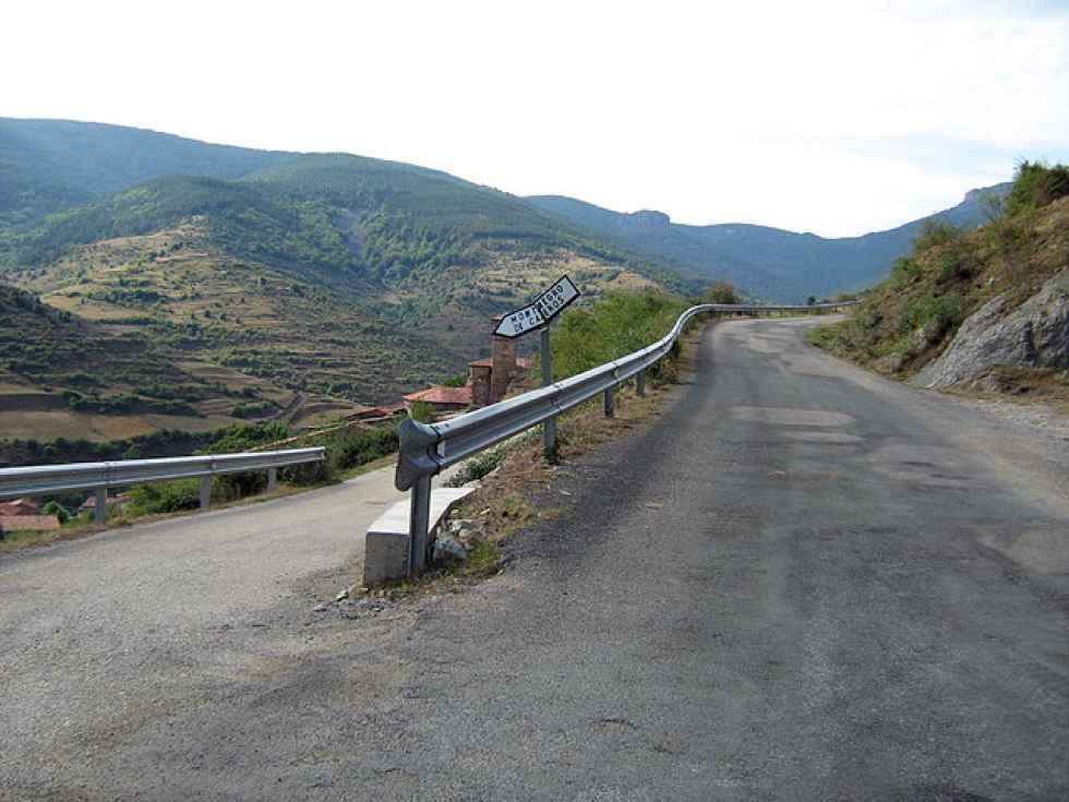 La Junta licita la mejora de la carretera de Montenegro de Cameros