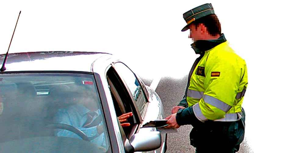 La Guardia Civil investiga a 699 personas sin carné de conducir