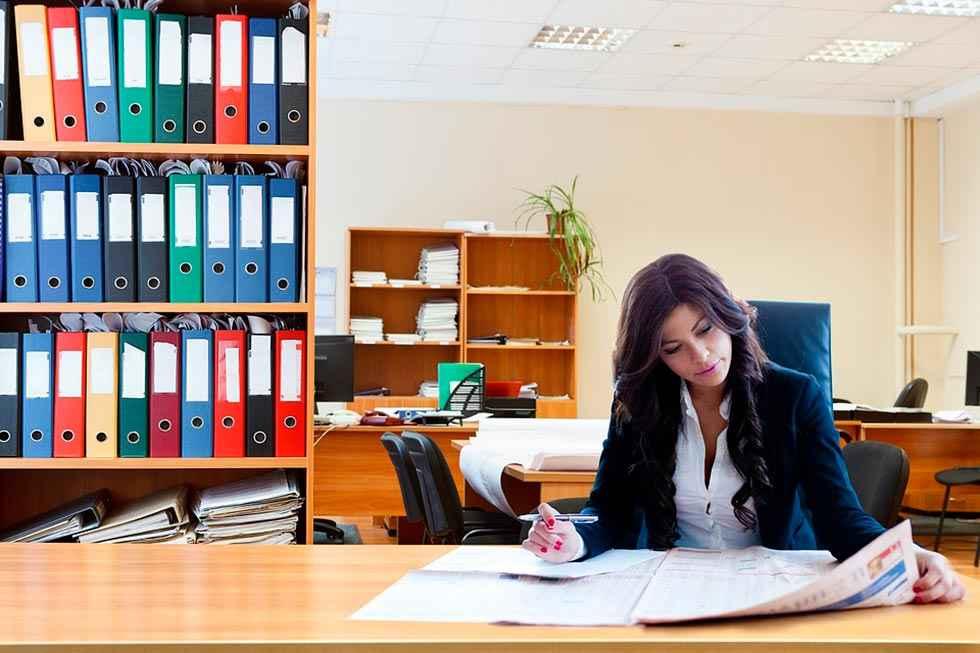 La brecha salarial por género en Castilla y León: 6.000 euros