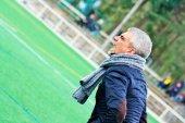 El entrenador de la Arandina insulta y se encara con los periodistas