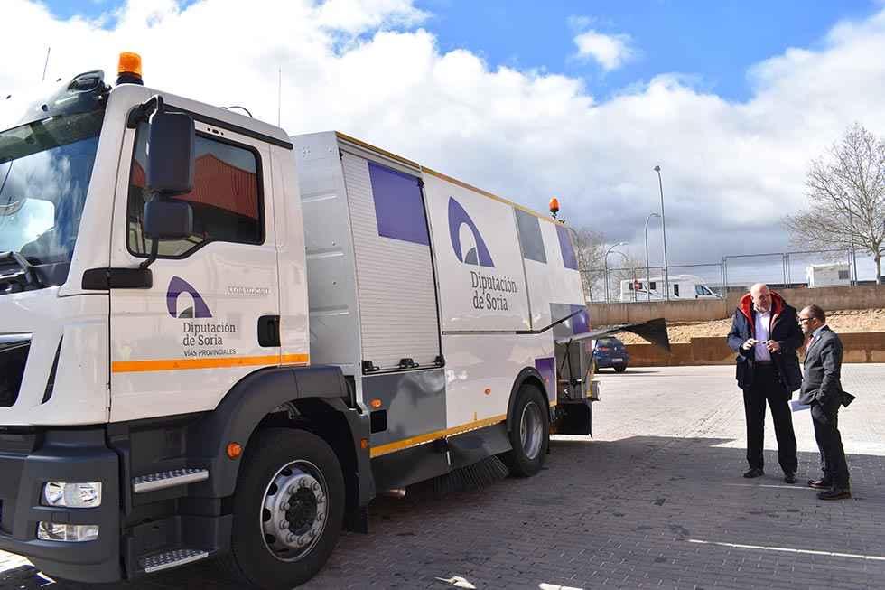 Nuevo camión para limpiar las carreteras provinciales