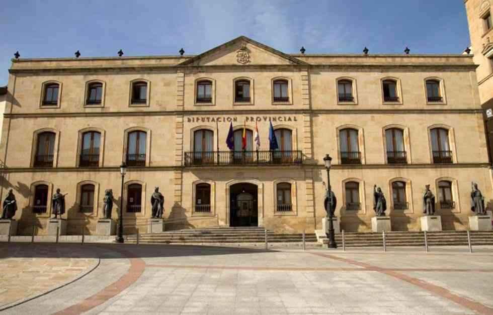 La Diputación dictamina el nuevo reglamento de administración electrónica