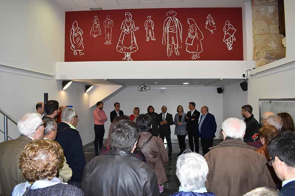"El Museo del Traje Popular acoge ""A la gala de la buena novia"""