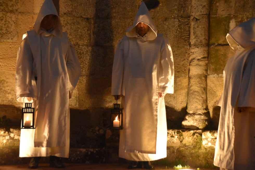 """""""Vísperas de luz"""", silencio y faroles en la nueva procesión"""
