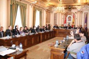 Reparto de los diputados provinciales en liza el 26-M