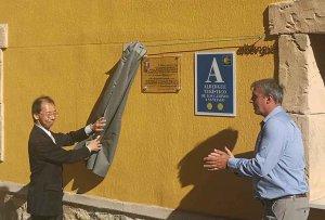 El ministro japonés inaugura un albergue municipal en Gormaz
