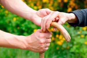 El ECyL impulsa contratación en el sector de la ayuda a domicilio