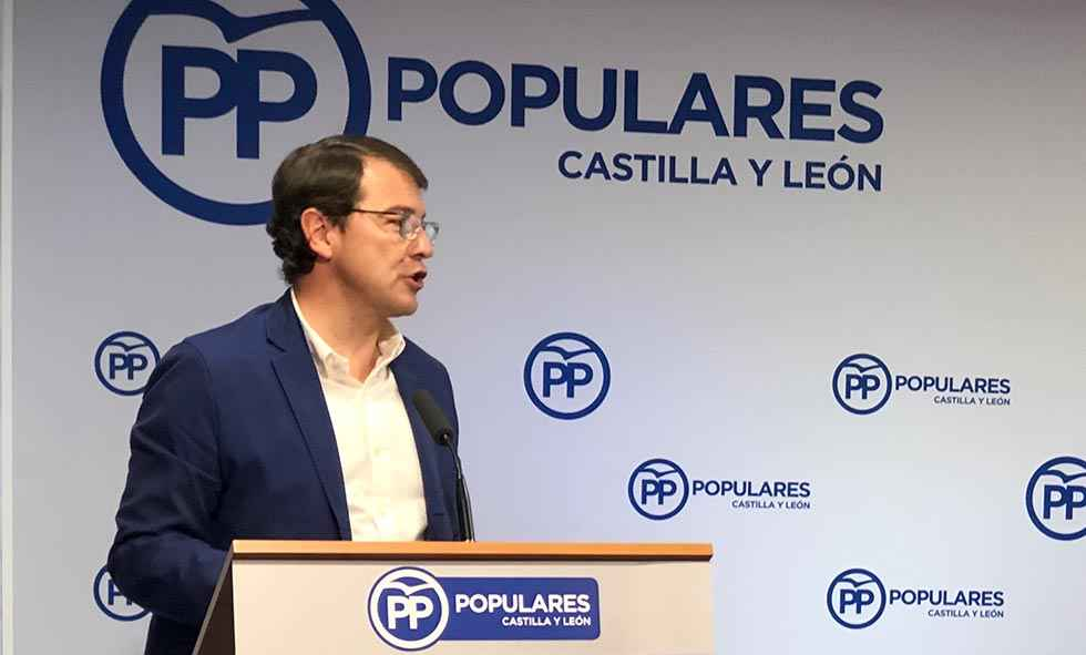 Mañueco pide evitar que las políticas de Pedro Sánchez lleguen a Castilla y León