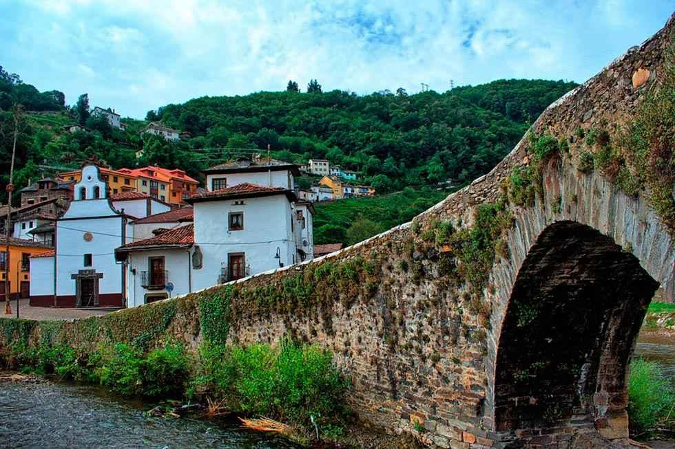 Tres de cada diez castellano leoneses no sabe dónde ir de vacaciones