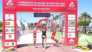 Alfonso Izquierdo, doblete en Almería