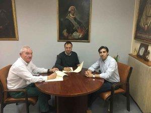 Firma del convenio entre el Ayuntamiento y la Banda de Música