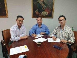 Firmado el contrato para organizar festejos taurinos